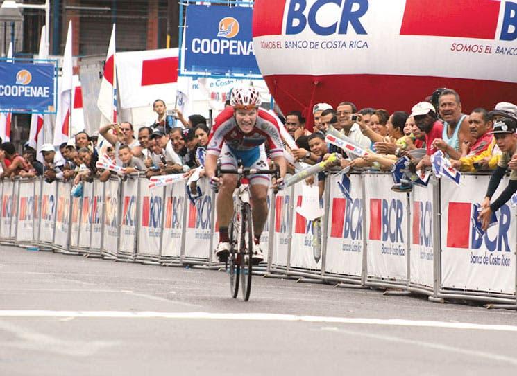 Ruso estrenó la Vuelta