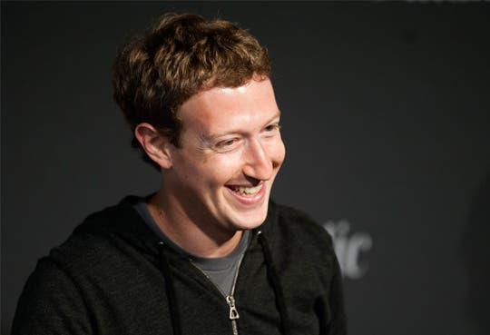 Zuckerberg pone en venta acciones de Facebook