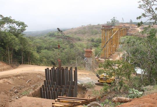 [ampliación]Terminar carretera a San Carlos será posible