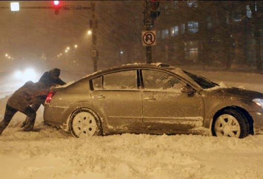 Cientos de personas siguen sin electricidad en Canadá