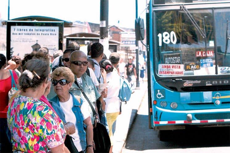 Trabado nuevo modelo tarifario para buses