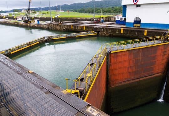 Martinelli exigirá a empresas cumplir con la ampliación del Canal