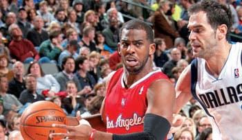 Clippers opacan a Lakers