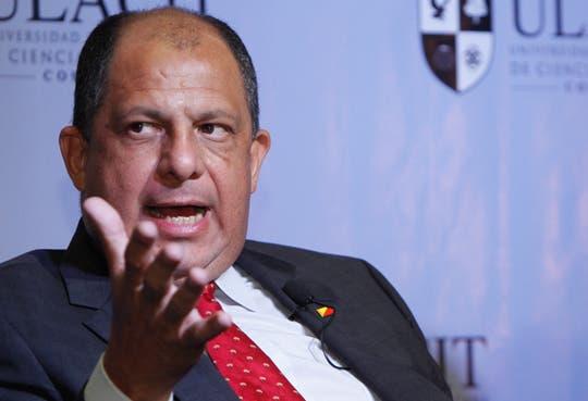 Luis Guillermo Solís: a favor del aborto en caso de violación