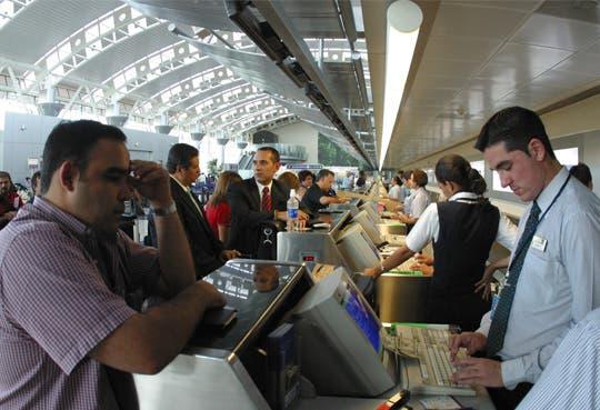 Más flujo de pasajeros en aeropuertos
