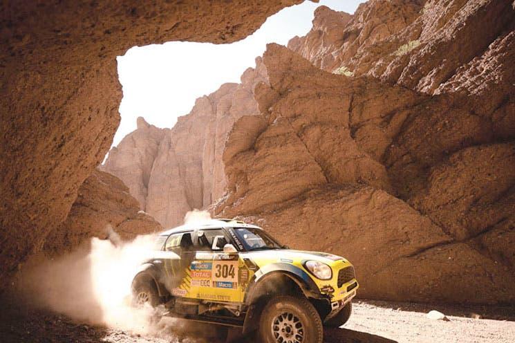 Españoles dominan el Dakar