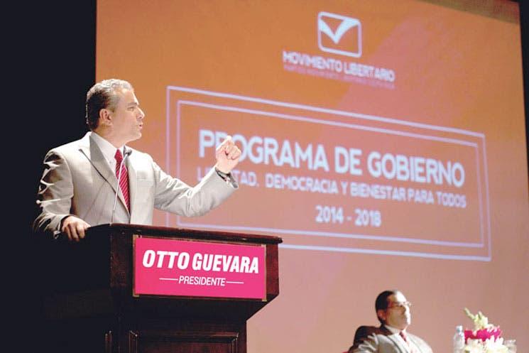 Otto Guevara presentó plan más socialcristiano