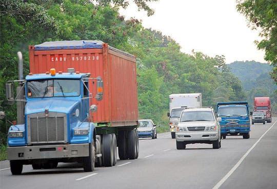 Menos caos en frontera con Panamá