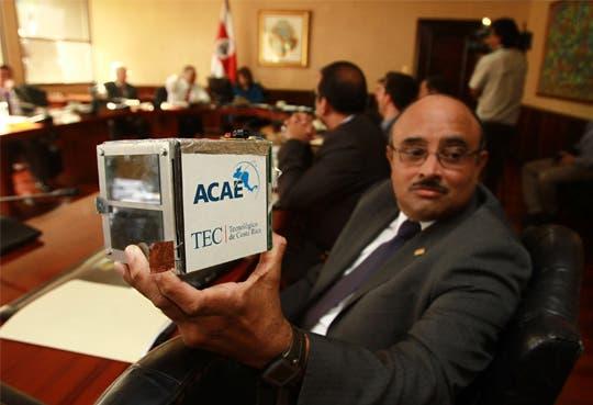 Presentan proyecto de primer satélite costarricense