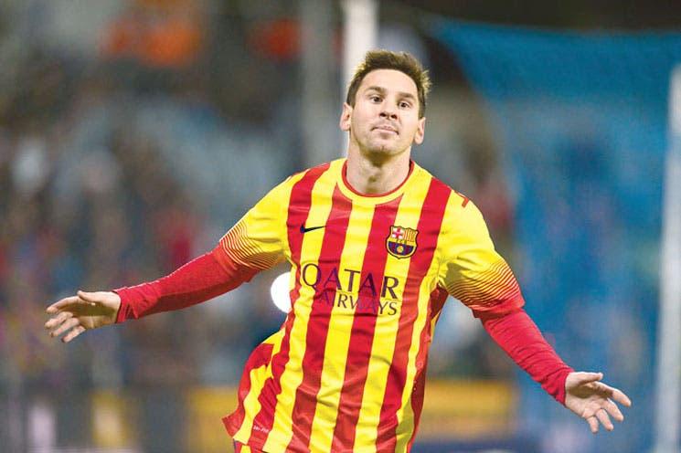 Messi dirige un trámite