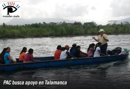 Ottón Solís busca voto indígena en lancha