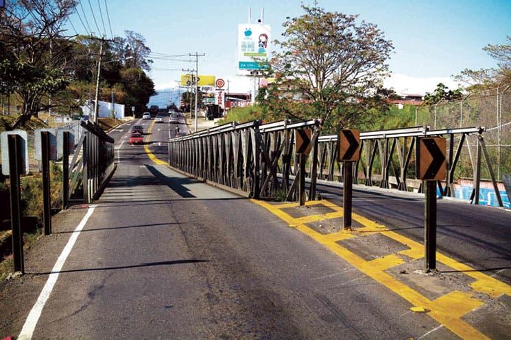 Fin a puentes Bailey en Tibás