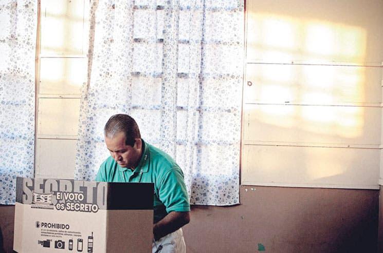 PLN compraría votos: Denuncia