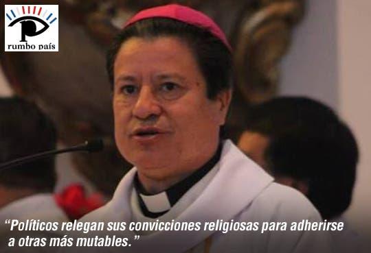 """Arzobispo arremete contra """"acomodamientos"""" políticos"""