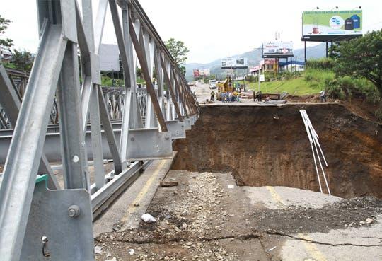 Avanza construcción de nuevos puentes en Circunvalación