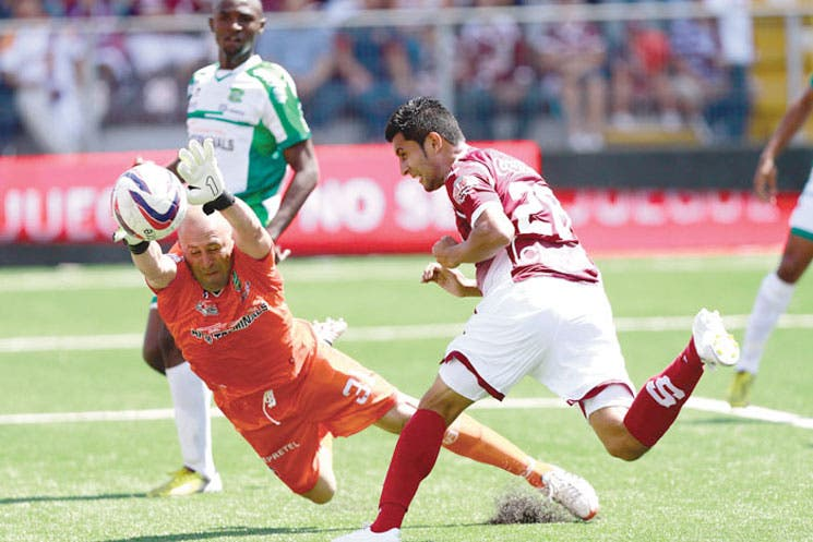 Remezón en Saprissa