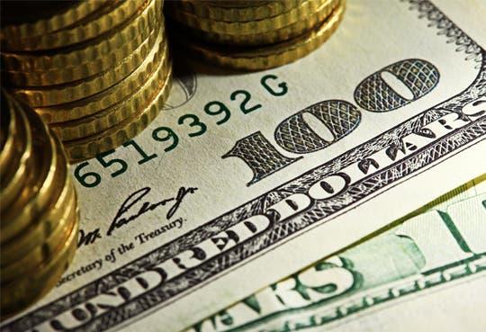 Dólares se ponen caros