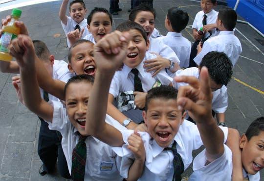 260 mil becados tendrán beneficio para compra escolar