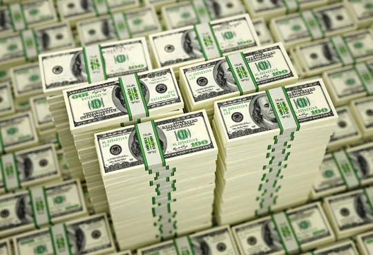 Sigue el alza del dólar