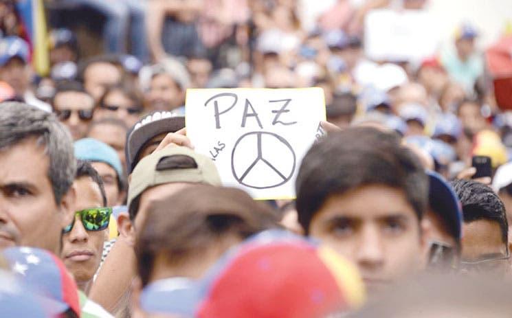 """EE.UU. estudia """"mediación"""" en Venezuela"""