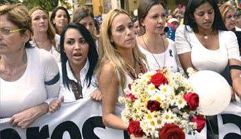 Estudiantes y opositores tomaron las calles de Venezuela