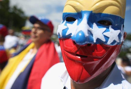 Venezolanos acuden a foros internacionales