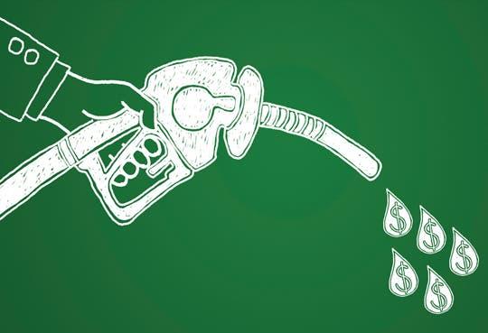 Alza del dólar arrastra aumento en combustibles