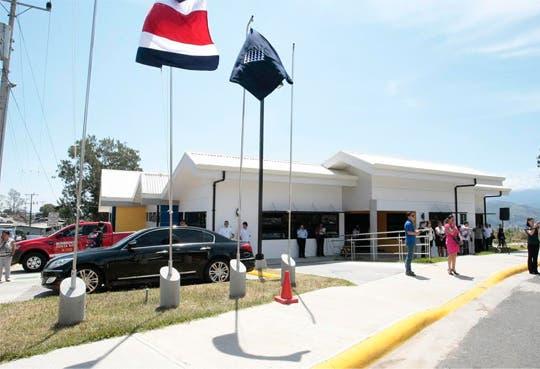 Estudiantes de Cartago con colegio nuevo