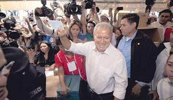 Cerrada elección en El Salvador
