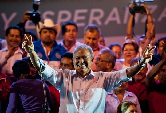 Ratifican triunfo de la izquierda oficialista en El Salvador