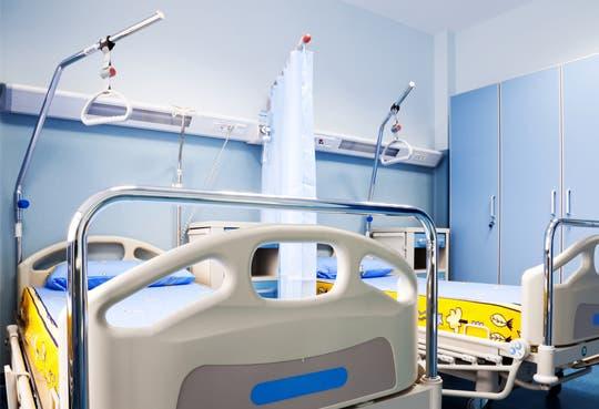 Hospital de Guápiles recibe nuevos equipos médicos