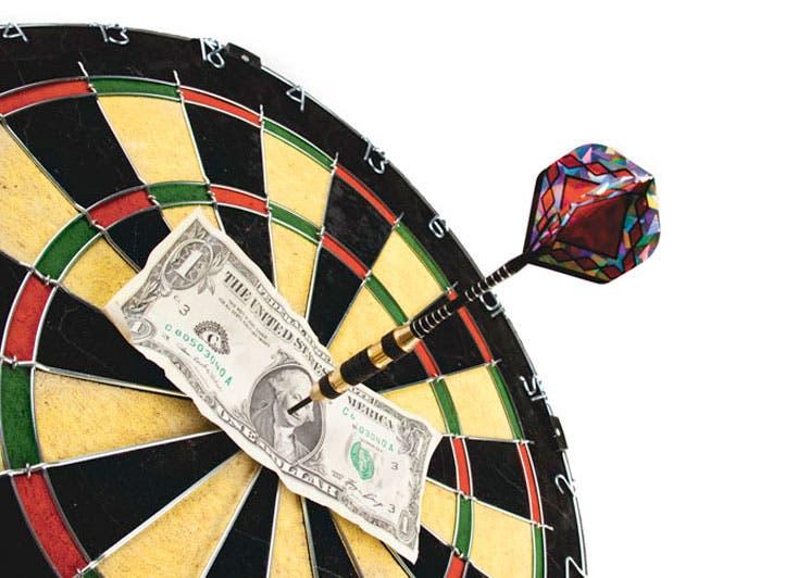 Dólar retrocede tras anuncio de intervención