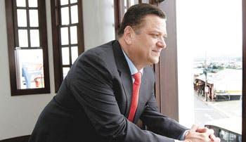 """""""Si ganara, no renunciaría a Presidencia"""": Johnny Araya"""