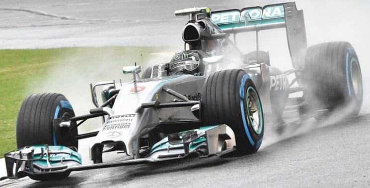 Rosberg pegó en Australia