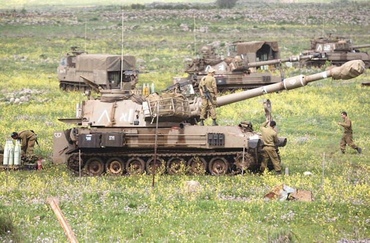 Israel refuerza milicia en límite con Siria