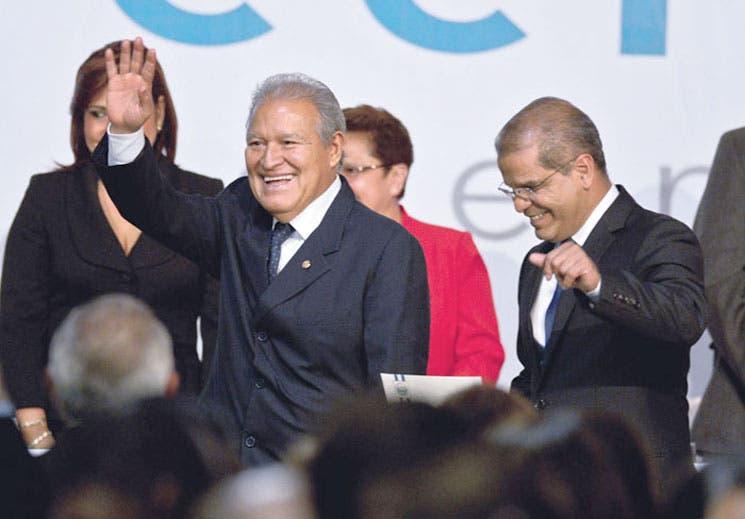 Oposición salvadoreña reconoce a Sánchez Cerén