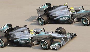 Mercedes traslada su duelo a Bahréin