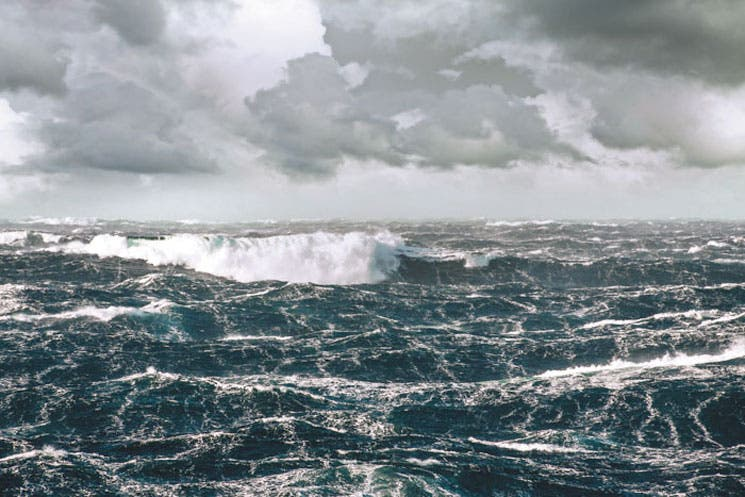 Nuevo puerto de Limón enfrenta mar turbulento