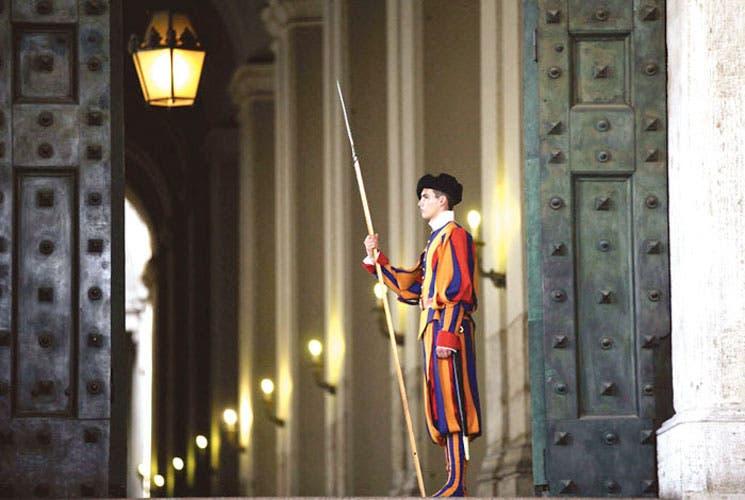 Banco de Vaticano se someterá a normas internacionales