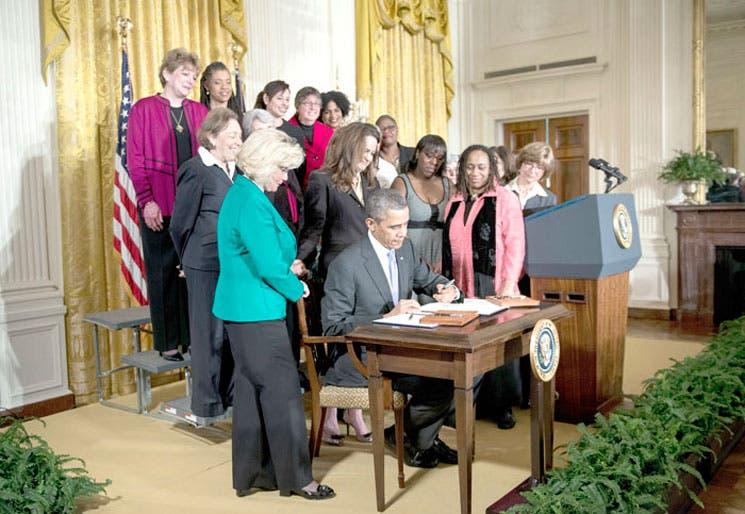 Obama decreta equiparación salarial femenina