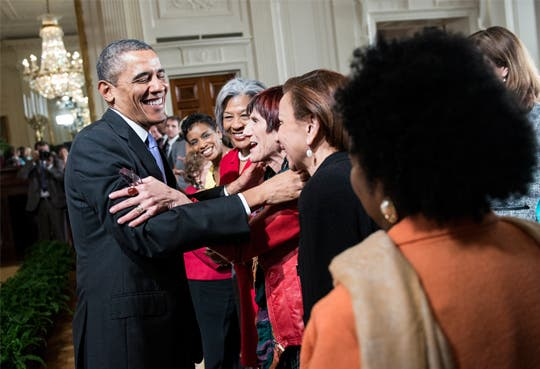 Obama firma decretos para igualdad salarial