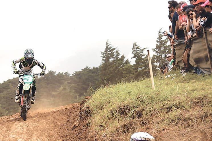Motocross ruge hacia un reñido título