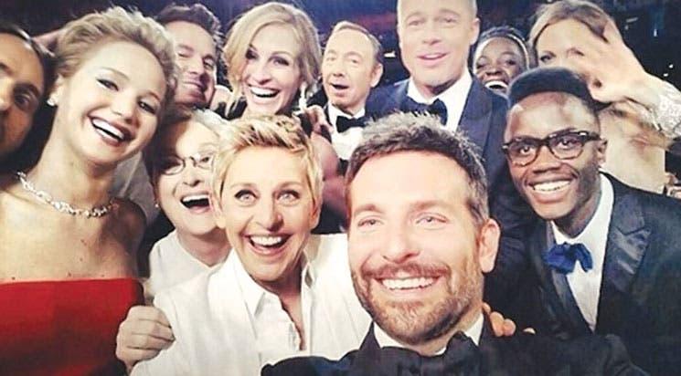 """""""Selfie"""" de los Óscar vale casi $1.000 millones"""