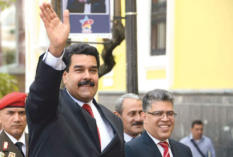 Chávez vive en Maduro, dice el chavismo
