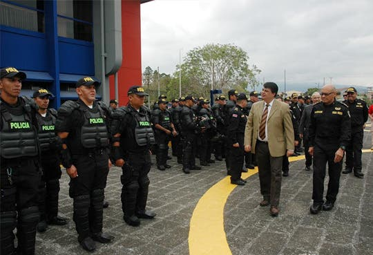 201404151513371.MEJORAS-POLICIA.jpg