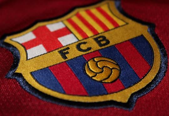 Barca puede fichar, FIFA suspende sanción