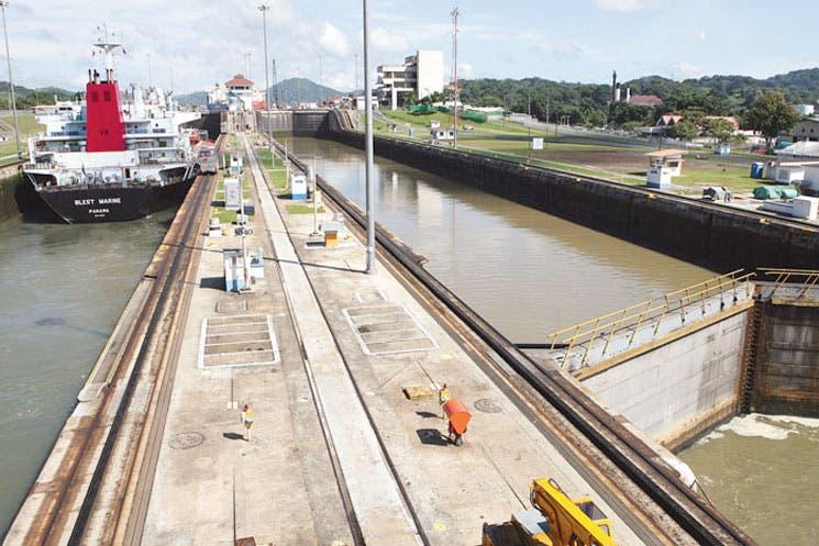 Huelga paraliza ampliación del Canal de Panamá