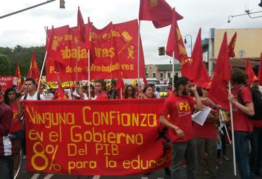 Marcha de Trabajadores llega a Asamblea Legislativa
