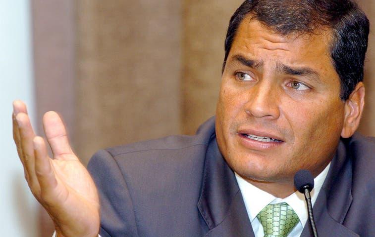 Polémica visita de presidente de Ecuador a UCR