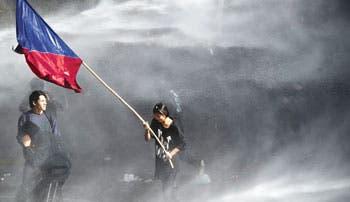 Huelga masiva recibe segundo periodo de Bachelet